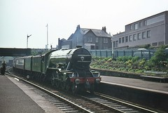 Flying Scotsman Arrives. (Kingfisher 24) Tags: station scotland fife railway a3 signal flyingscotsman inverkeithing 4472 halina35x