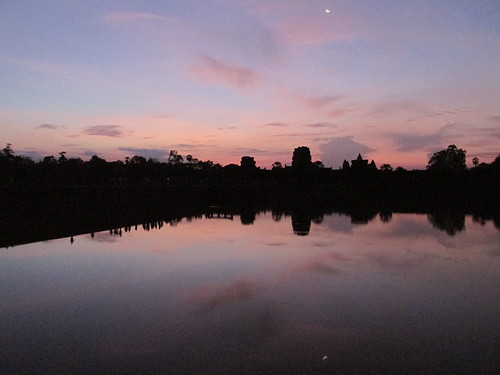 Lever de soleil sur Angkor, Cambodge