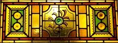 Ffenestr linter, Pen-glais, Aberystwyth (Rhisiart Hincks) Tags: window glass yellow wales jaune cymru stainedglass gales aberystwyth amarillo ceredigion beira galles gwydrlliw penglais hori melyn gwydr ffenestr kembre fanlight walia paysdegalles oberlicht anbhreatainbheag galesherria leiho velsa prenestr kimrio buidhe melen imposte beirate kembra  transomwindow velsas  bu gwer vitrailh    impost gwerliv gwerennlivet  ffenestrlinter gloinne soprafinestra achuimrigh uinneagdhathte uells karrezannor