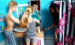 Sisters' Fun Day - Bathroom (Anelonka) Tags: bathroom room barbie prim peeta katniss