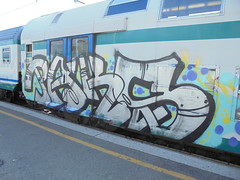 615 (en-ri) Tags: train writing graffiti grigio genova zena azzurro nero paks
