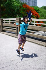Jump (Shun Daddy) Tags: life park travel family portrait people zeiss hongkong 50mm prime kid child f14 sony snapshot full carl frame standard  za   ff  planar   2016     planart1450 mirrorless  a7s