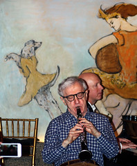 Woody Allen with the Eddy Davis New Orleans Jazz Band (Clara Ungaretti) Tags: show nyc newyorkcity music usa playing ny newyork men caf musicians bar us concert perfect unitedstates manhattan unitedstatesofamerica jazz actor states director woodyallen menswear menchic woodyallenandhisneworleansjazzband woodyalleneddydavisneworleansjazzband
