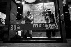 Pap aventurero / Adventurous father (daniel.cross) Tags: ensayos espaciourbano