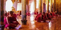 IMGP7600 (Montre ce qu'il voit!) Tags: colors landscape gold golden julien asia pentax couleurs burma religion buddhism myanmar asie mm shan paysage budda vidal k5 birmanie boudhisme myanmarbirmanie