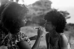 Modelagem no Alto da S, Olinda (Celso Kuwajima) Tags: brazil people bw br outdoor streetphotography analogphotography pernambuco olinda filmscan ilfordfp4 leicam4 ilfordpanfplus50 vsco leicateleelmarit9028