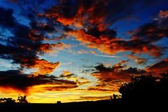 L'heure du repos... (Ombre&Lumiere) Tags: nature soleil ciel cds nuages coucherdesoleil picardie aisne