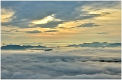 Sea Of Cloud at Stunning Sunrise (thegunznroses1904) Tags: lake nikon sony hikers travellight cloudofsea nikond7000 jelawangwaterfalls amateurtobepro higestwaterfall