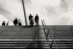 Hamburg Hafen (flamboyance design) Tags: street sky people haven clouds stairs composition canon eos leute hamburg himmel menschen l situation schwarzweiss hafen 1740mm 6d treppenstufen einfarbig