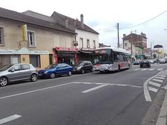 Lacroix rseau Valoise Heuliez GX 337 hyb EB-442-KN (95) n1025 (couvrat.sylvain) Tags: lacroix cars bus autobus valoise beauchamp heuliez heuliezbus gx337 gx 337 hybride argenteuil