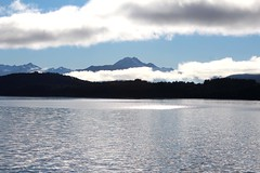 A la Isla (Juuliett) Tags: lake argentina lago heaven south paisaje lagos glaciar lanscape bariloche paraso patagoniaargentina sancarlosdebariloche surargentino paisajeglaciar