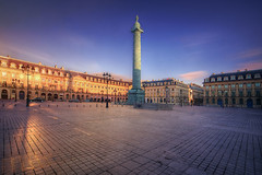 La place Vendme ,Paris . (StephanieB.) Tags: longexposure sunset paris architecture pavement bonaparte extrieur coucherdesoleil colonne pavs placevendme napolon expositionlongue haussmanien