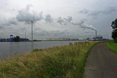 Hemkade (Kronemans) Tags: haven amsterdam harbour noordholland zaandam zaanstad hemkade noordzeekanaal