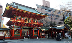 Colourful Kanda (DameBoudicca) Tags: japan port tokyo gate shrine  nippon  porte tor shinto  japon giappone nihon cancello tokio  schrein japn sanctuaire   jing kandashrine helgedom kandamyjin