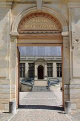 Palais Arch-Episcopal (Wipeout Dave) Tags: france building architecture reims francais palaisarchiepiscopal wipeoutdave canoneos1100d davidsnowdonphotography djs2015