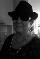 Bluesmother (blondinrikard) Tags: sunglasses woman portrait kvinna solglasgon hatt portrtt