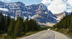 The Road Beckons (Jeff Clow) Tags: banffnationalpark icefieldsparkway canadianrockies