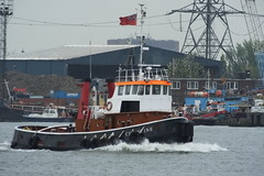 Christine (kenjonbro) Tags: uk london boat greenwich christine 1966 tugboat tug riverthames a217 se10 kenjonbro royalgreenwichborough bartlettcreekshippingltd ajapratt royalauxilliarytug