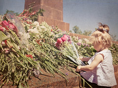 Victory day. Let's learn our children to be grateful (iryna_beata) Tags: flowers girl day child odessa victory grateful 9thofmay