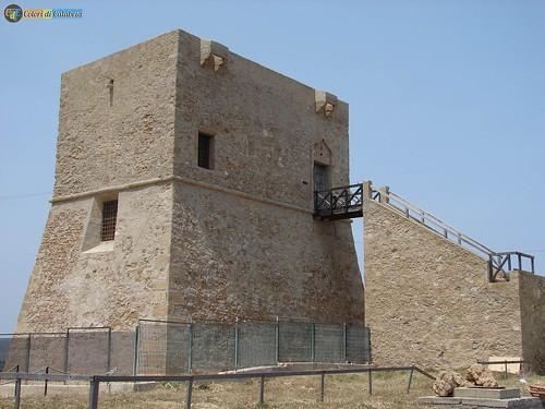 KR-Isola Capo Rizzuto-parco Archeologico Capo Colonna 15_L