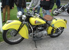 Indian Chief jaune (gueguette80 ... non voyant pour une dure indte) Tags: old bike jaune indian mai moto picardie motorrad somme anciennes 2013 americaines usbike hebecourt