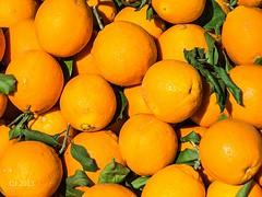 Orangen auf dem Wochenmarkt (einervonneruhr) Tags: orange pen olympus markt mallorca naranja spanien valldemossa ep3 orangen wochenmarkt 2013 1250mm mzuiko