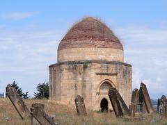 Azerbaijan 2013 (hunbille) Tags: cemetery tomb azerbaijan mausoleum domes tombs mausoleums aserbaidschan gumbaz yedi aserbajdsjan shemakha shamakhi samaxi yeddigumbaz sevendomes yeddi shemakhi