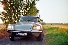 DS (Thomas Kowi) Tags: auto classic film car analog 35mm silver kodak citroen ds super citron oldtimer analogue pentacon 1972 praktica silber ektar