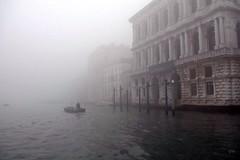 Venedig im Nebel (ViktorHi) Tags: venice fog nebel venise venedig brouillard uploaded:by=flickrmobile flickriosapp:filter=nofilter