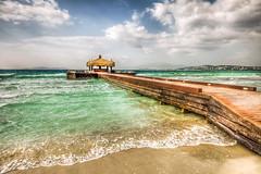 Cesme, Turkey (Nejdet Duzen) Tags: travel sea cloud holiday beach turkey pier day cloudy türkiye wave deniz iskele izmir bulut tatil turkei dalga seyahat plaj çeşme ılıcaplajı ilicabeach