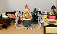 Edible Delights on the Death Star (ChicaD58) Tags: decorations lamp newspaper tv bed snowman laptop christmastree presents actionfigures mug stormtrooper gingerbreadhouse candycane stb endtable clonetrooper starwarsactionfigure 014a edibledelights stormtrooperbruce tk432 tk1110 gingergreadcookies b