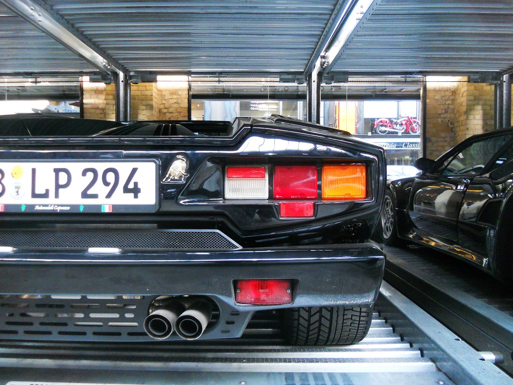 The World S Best Photos Of 1988 And Countach Flickr Hive Mind
