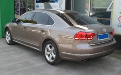 Volkswagen Passat II 02 China 2012-04-28 (NavDam84) Tags: sedan volkswagen passat volkswagenpassat vehiclesinchina carsinshanghai vehiclesinshanghai carsinchina
