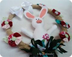 A Páscoa tá chegando! (Di Marqui Artesanatos) Tags: de craft felt páscoa guirlanda fuxico coelho coelhodefeltro