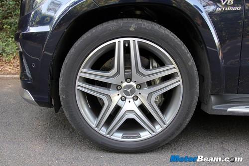2014-Mercedes-GL63-AMG-23