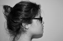 (Sr.Daz) Tags: blackandwhite girl perfil portfolio bun moo