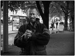 Nisse (stejo) Tags: portrait stockholm södermalm homeless drugs streetphoto medborgarplatsen porträtt björnsträdgård narkoman hemlös gatufoto gatuporträtt