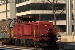 SLMNr 4457 : SBB Diesellokomotive Bm 4/4 18410 ( Rangierlokomotive - Lokomotive => Hersteller SLM - SAAS Nr. 4457 => Inbetriebnahme 1964 ) am Bahnhof Bern Bmpliz Nord im Kanton Bern der Schweiz (chrchr_75) Tags: chriguhurnibluemailch christoph hurni schweiz suisse switzerland svizzera suissa swiss chrchr chrchr75 chrigu chriguhurni februar 2015 albumbahnenderschweiz albumbahnenderschweiz201516 schweizer bahnen eisenbahn bahn train treno zug albumsbbdiesellokomotivebm44 diesellokomotive lokomotive sbb cff ffs albummobmontreuxberneroberlandbahn mob schmalspurbahn bm 44 juna zoug trainen tog tren   locomotora lok lokomotiv locomotief locomotiva locomotive railway rautatie chemin de fer ferrovia  spoorweg  centralstation ferroviaria