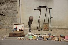 posie accidentelle (Nicolas Fourny photographie) Tags: street canon country sigma streetscene fleamarket 18200 600d