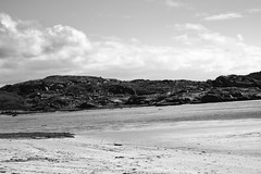 BWJPG---IMG_6403 (r4ytr4ce) Tags: ireland blackandwhite beach landscape 50mm boat eire donegal ire trchonnaill