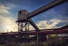 (Irene Ziel Photography) Tags: cinema canon contraluz landscape atardecer industrial edificio paisaje cine construccion tamron industria estructura exteriores airelibre estructure 100d canonflickraward