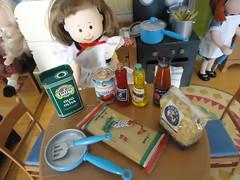 Danielle gets ready to help Madeline make Italian pasta for dinner. (Helen725) Tags: kitchen eden learningcurve italiandinner kitchenlittles madelinedolls popupdollhouse