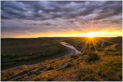 Sunset burst (Roving Vagabond) Tags: park light sunset sky usa color river landscape outdoor north spray roosevelt national serene dakota theordore