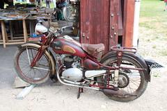 20150530 Davezieux Ardche - Rtromobile 07 (105) (anhndee) Tags: moto motorcycle ardeche motorbyke motorrad byke ardche rhonealpes annonay motosanciennes