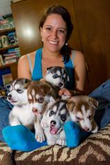 Con sus 5 pequeños traviesos! (Alyaz7) Tags: portrait pets cute dogs fun puppies little retrato perros cachorros mascotas vr pequeños miradas ternura rawquality huskysyberian nikond7200 flashyongnuoyn560ii lentenikonnikkorafs1855mm13556giidxvr