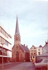 Bloempotsteeg richting Arkelstraat (Barry van Baalen) Tags: church monument architecture vintage churchtower kerk gorinchem kerktoren