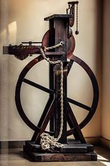 MUSEO,MUSEO,MUSEO... (pilibis8) Tags: valencia canon madera museo seda detalles historia ruedas maquinas paseos tejidos cuerdas rstico 60d pilibis