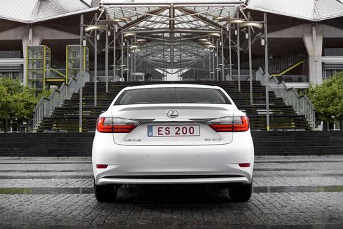 Lexus ES 200