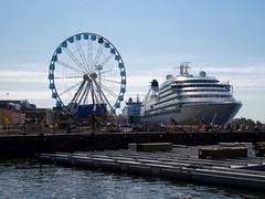 Wat is groter? Reuzenrad of cruiseschip?