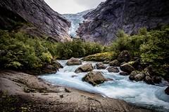 La richesse de la norvge (tognio62) Tags: mountain mountains clouds montagne river cloudy glacier rocher glace vgtation ruisseau